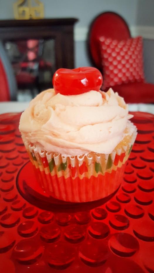 single_cherry_cupcake_2